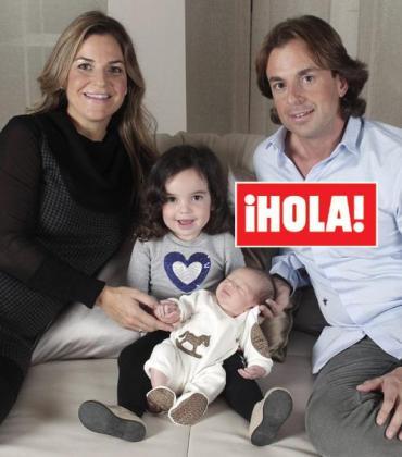 Foto de familia con Arantxa Sánchez Vicario, su marido y sus dos hijos.