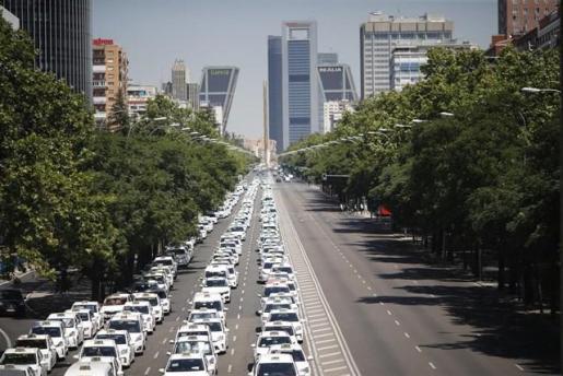 Fomento mantiene hoy con las comunidades autónomas una reunión para solventar la huelga del taxi.