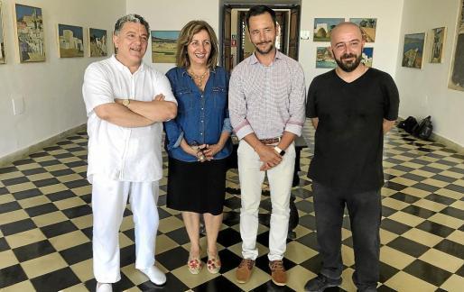 De izquierda a derecha, el hijo del pintor, Andreu Carles López Seguí; la consellera Fanny Tur, el alcalde de Ibiza, Rafa Ruiz, y el concejal de Cultura i Patrimoni, Pep Tur, durante la presentación en Es Refectori.