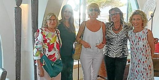Catalina Cerdà, Inma Bianchi, María Antonia Bauza de Mirabó, Pilar Cerdà y Marisa Mir.