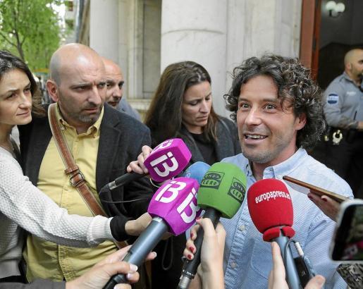 Jaume Garau a la salida de los juzgados tras declarar ante el juez el pasado mes de abril.