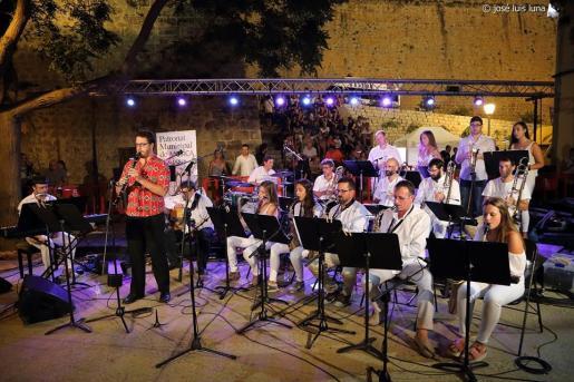Actuación de la Big Band Ciutat d'Eivissa