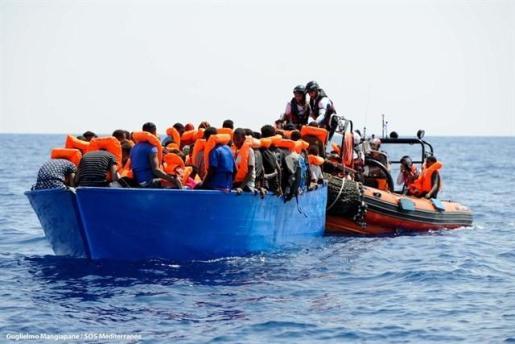 España acogerá a 60 migrantes del Aquarius.
