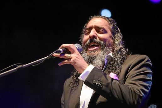 Diego El Cigala encandiló al público con su carácter y energía y ofreció un repaso muy variado por su discografía, al tiempo que presentó su último trabajo.