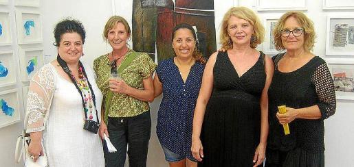 Josefina Torres, Julia Fragua, Doralice Souza, María Catalán y Antonia Torres Tur.