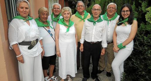 Carmen Ariza, Ana María, Emilio Garcés, María Tizón, Antonio de Miguel, Nicolás Zandundo, José Ignacio de Miguel y Raquel Llera.