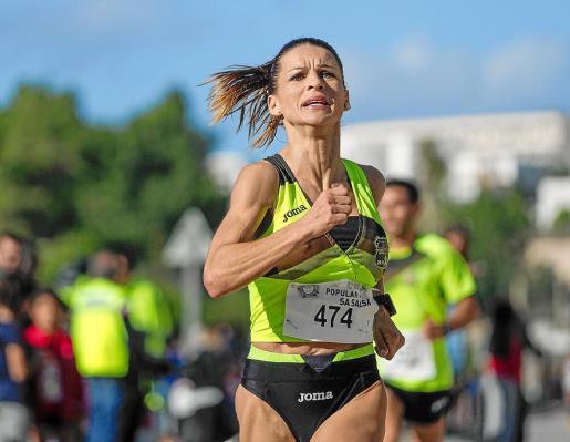 Carolina Gámez durante una carrera popular.