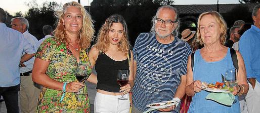 Tiffany Blackman, Fernanda Valencia, Andreu Manresa y Ángeles García.