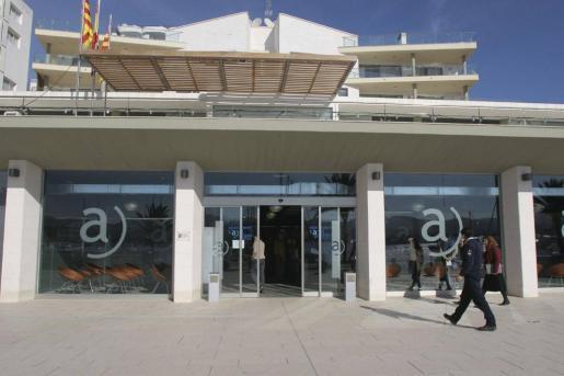 Fachada del Ayuntamiento de Sant Antoni.