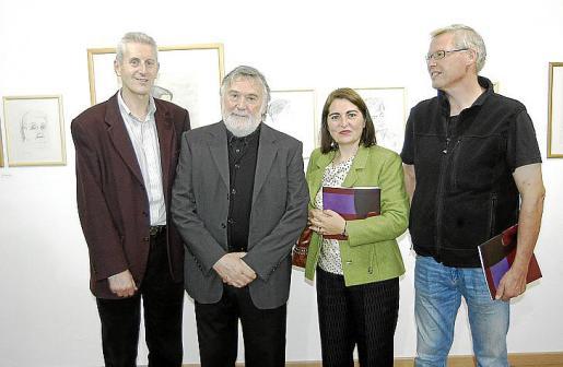Lacomba junto a Len Barnsdale, Francisca Tauler y Falk Herrgott.