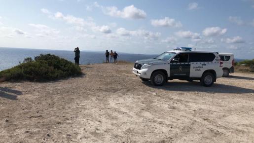 En el dipositivo de búsqueda participó la Guardia Civil, la Policía Nacional, la Policía Local de Vila, los GEAS y Salvamento Marítimo.