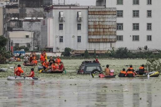 Las inundaciones dejan cinco muertos y 16 desaparecidos en el sur de China.