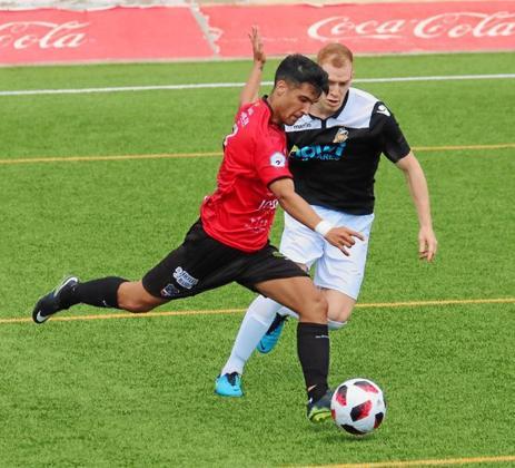 Una imagen del partido entre el Formentera y el Constància de la presente temporada liguera.