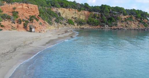 Imagen de archivo de Cala Llenya, playa donde fue hallado el cuerpo del hombre desaparecido en Santa Eulària.