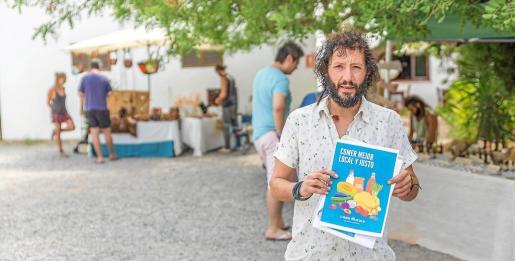 Javier Benito es el impulsor del proyecto La Colmena en las Pitiüses, cuyos productos se podrán recoger en el mercado de Cala Llenya.