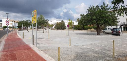 Imagen del parquin gratuito situado a la entrada de es Puig d'en Valls.