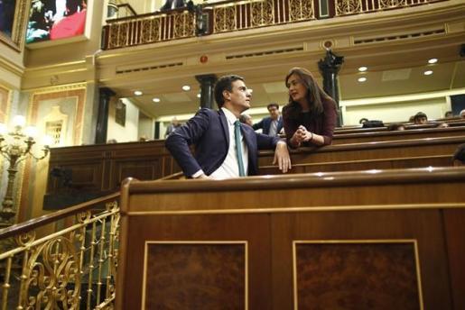 Montón dimite entre presiones internas en el PSOE apenas cuatro horas después de lograr el respaldo de Sánchez.