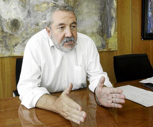 Gonzalo Juan, en su despacho durante la entrevista .