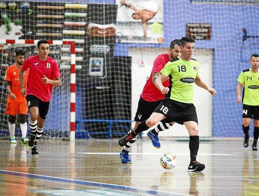 Imagen del partido disputado entre el Ibiza Futsal y el Sant Carles.