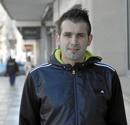 Luis Coria, en una céntrica calle de Vila.