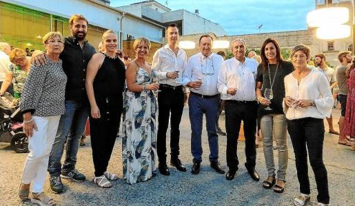 La familia Moyà: Bárbara, Joan, Coloma, Margalida, Joan, Sebastià, Biel, Bel y Margalida.
