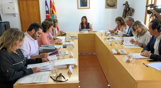 El Consell de Govern durante su celebración en Formentera por primera vez en esta legislatura. Foto: A.C.