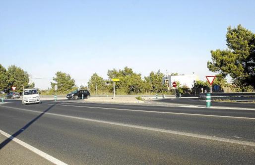 Imagen de la intersección entre la carretera de Sant Josep y la vía que enlaza con el aeropuerto de Ibiza.