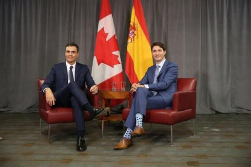 Pedro Sánchez defiende ahora el CETA tras cuestionarlo hace un año.