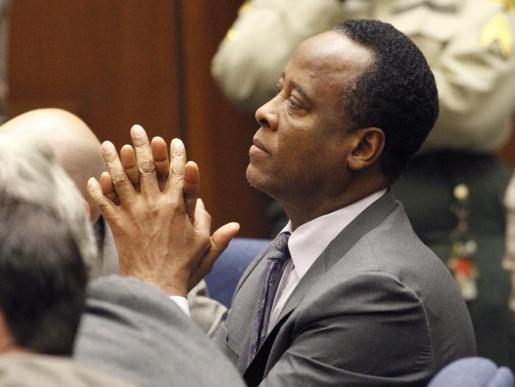 El doctor Conrad Murray, tras conocer la condena impuesta por la Corte Superior del condado de Los Ángeles.