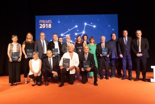 Los premiados de toda Balears posaron en una gran foto de familia antes del inicio de la gala.