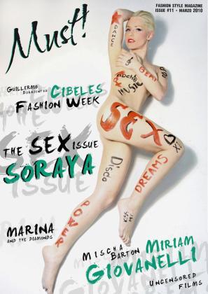 La extriunfita ha posado así de sensual para la revista 'Must'.