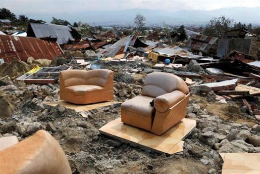 Indonesia eleva a 1.424 los fallecidos por la tragedia y busca a un millar de desaparecidos.