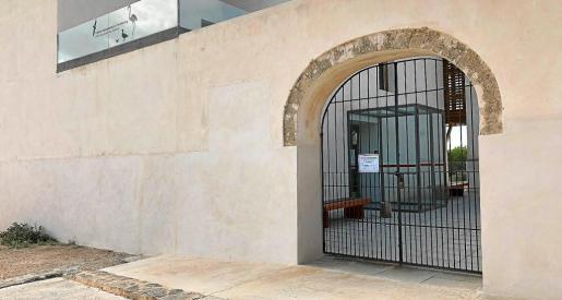Entrada del Centro de Interpretación de Can Marroig, en Formentera.