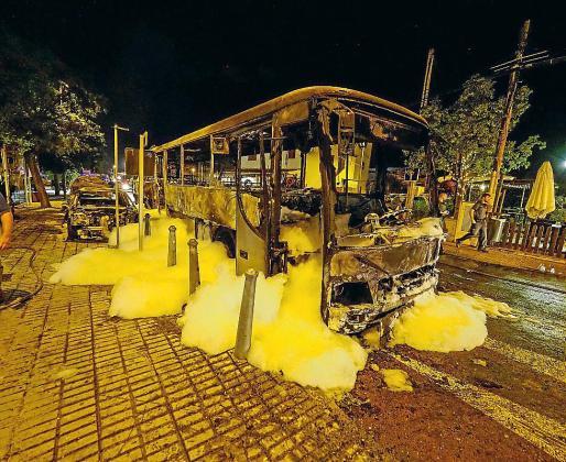 Autobús de ALSA calcinado a finales de septiembre en Sant Jordi.