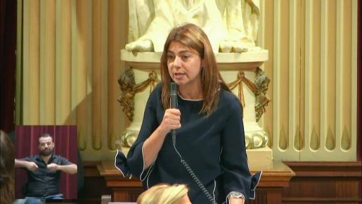 Sara Ramón (PP) durante este masrtes en el pleno del Parlament.