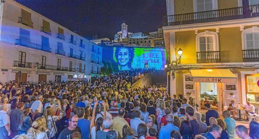 Imagen de varias obras del Ibiza Light Festival que podrán verse también esta noche en las calles del puerto de Vila y del barrio de La Marina.