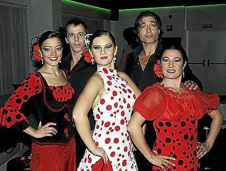 Integrantes del ballet Ébano.