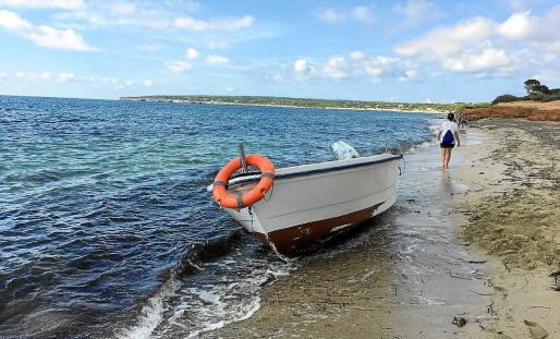 Imagen de la embarcación interceptada en la pitiusa menor.