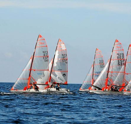 La flota de la Copa de España, en las aguas de la Bahía de Portmany.