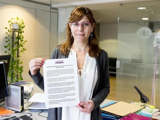 Existen dos razones por las que la actual portavoz adjunta del partido de Pablo Iglesias no repetirá en la lista al Parlament.