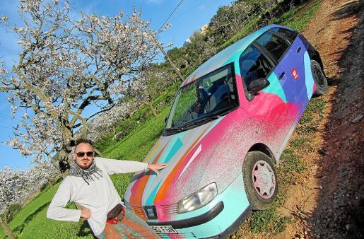 Christian Sarnelli puso en marcha Weloveibiza Art-Car en el año 2016.
