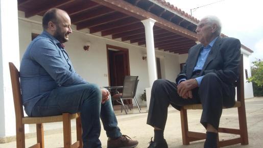 Francesc Guasch Guasch durant la conversa.
