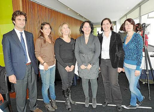Nacho Viayna, Eva Díaz, América Matas, Irene Llull, Paula Gual y Rocío Gutiérrez.