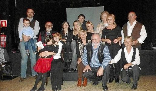 Todos los familiares de la pareja formada por Menchu Romero y Toni Aguilar arroparon a Menchu en su 60 cumpleaños.