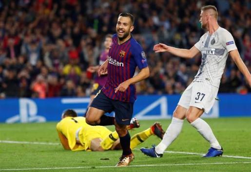 El Barça se pone líder ante el Inter y tranquiliza a Messi.