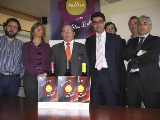 Lluis Feliu, Antonia Ripoll, Nicolau Nadal, Nicolau Fuster, Tomàs Muret, Joan Piña y Carlos Mulet.