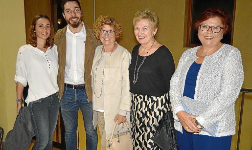 Enma Segura, Miquel Bonet, Catalina Pericàs, Antònia Bonet y Joana Coll.