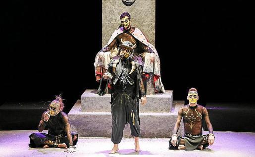 La comedia musical 'The Primitals' se caracteriza por una magnífica puesta en escena y una gran interpretación de sus cuatro actores.