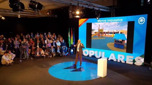 Instante de la ponencia de Vicent Marí en Málaga