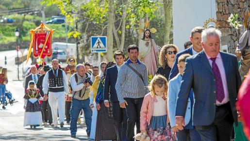 Mayores y pequeños disfrutaron de una jornada festiva en el día grande de Sant Carles.